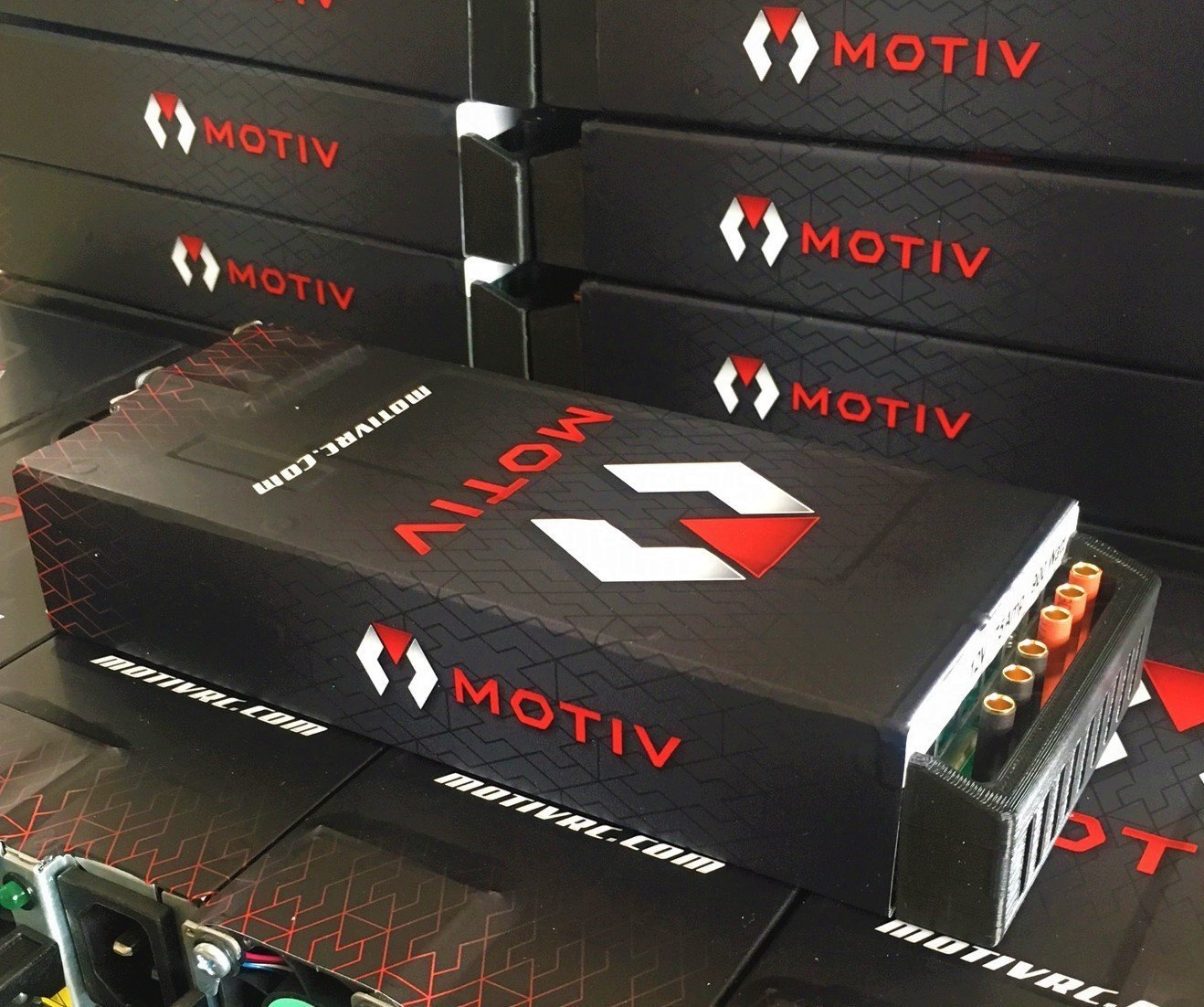 "MOTIV ""Power Brick"" 75Amp 12V Power Supply"
